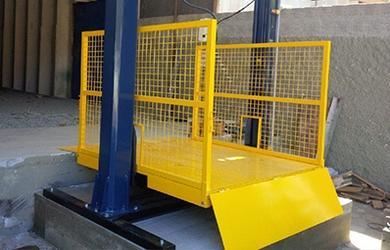 Locação de elevador hidráulico carga